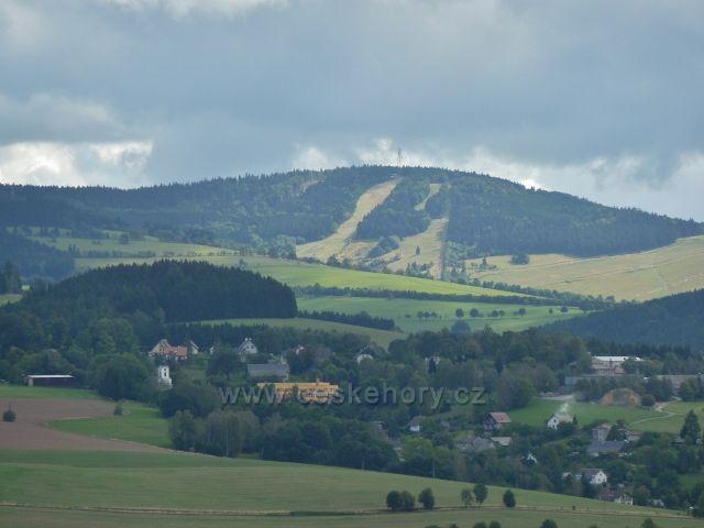 Sobkovice - pohled z Frantova kopce na Bukovou horu