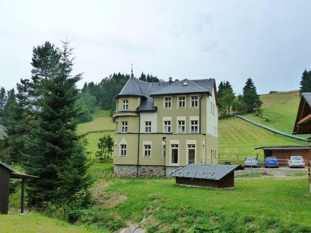 Ostružná - nově zrekonstruovaný objekt horské vily
