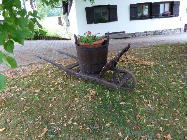 Kronfelzov - trakař před Baďurkou