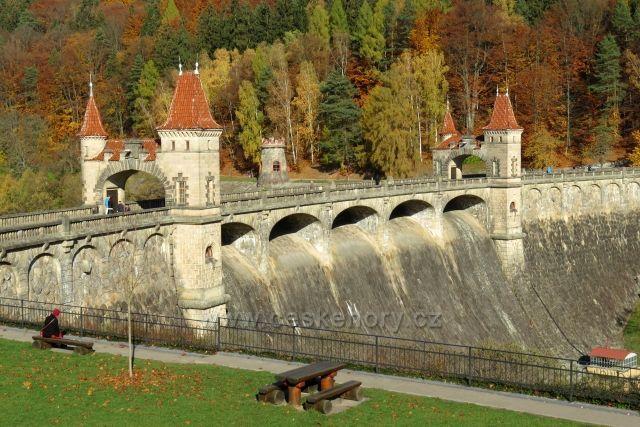 Les Království - skvost mezi přehradami.
