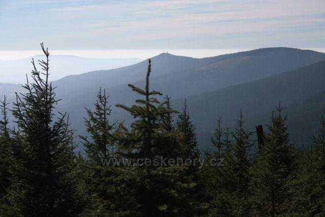 výhled od Sněžné chaty směrem rozhledna Klepáč