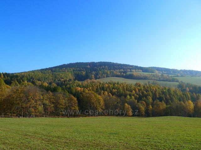 Písařov - pohled na partyzánský vrch Čečel /839 m.n.m./