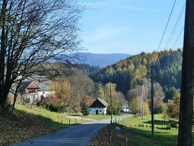 Habartice - pohled do údolí Staříče