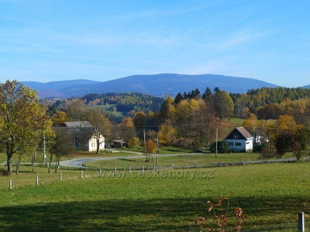 Habartice - pohled na pásmo Jeseníků