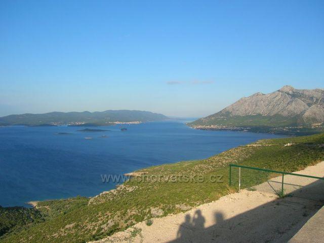 Výhled na Orebič a Korčulu