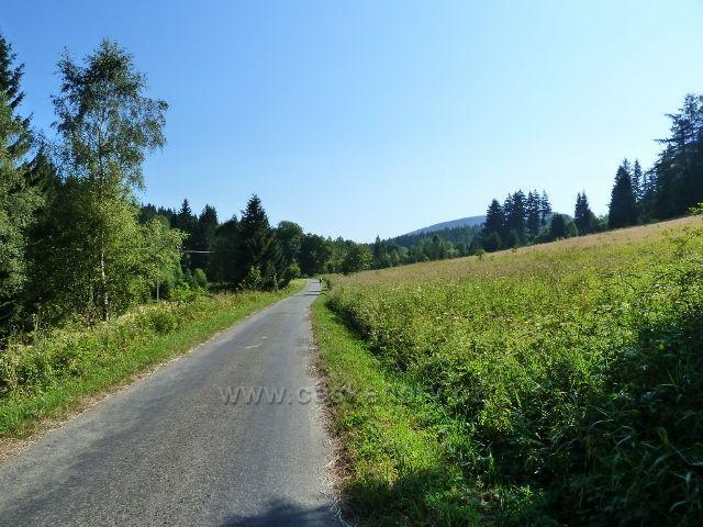 Branná - cyklostezka z Branné do Ostružné vede romantickým údolím říčky Branná