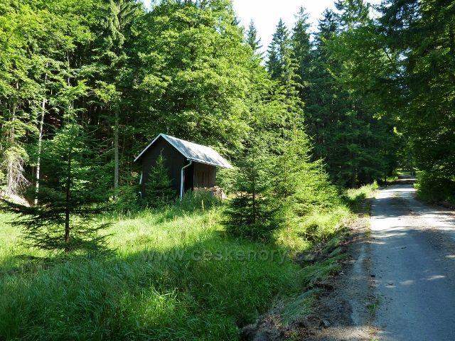 Branná - lovecká chata v údolí Klepáčského potoka
