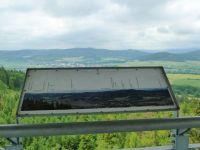 Město Albrechtice - pohled z rozhledny Hraniční vrch k Městu Albrechtice