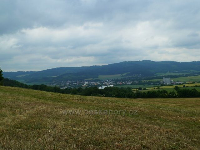 Město Albrechtice - pohled z Hraničního vrchu na Město Albrechtice