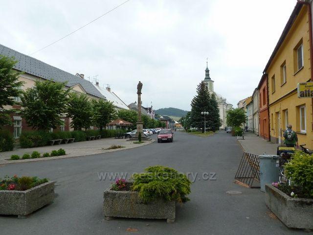 Město Albrechtice - náměstí ČSA