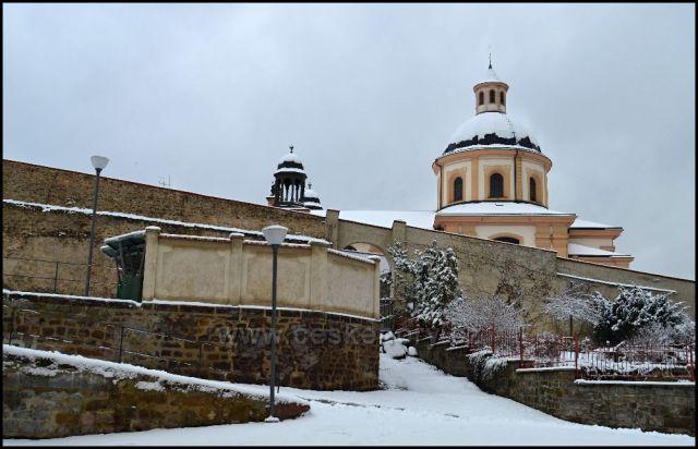 Děčín- zdi Dlouhé jízdy a kostel sv.Kříže