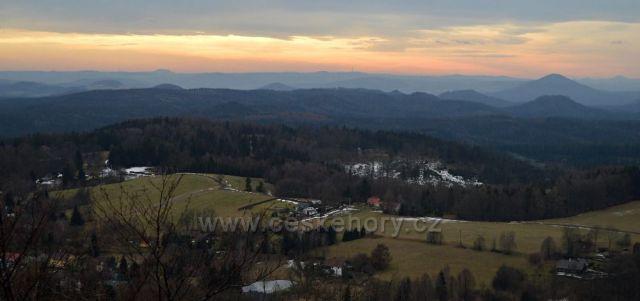 Výhled z rozhledny Vlčí hora