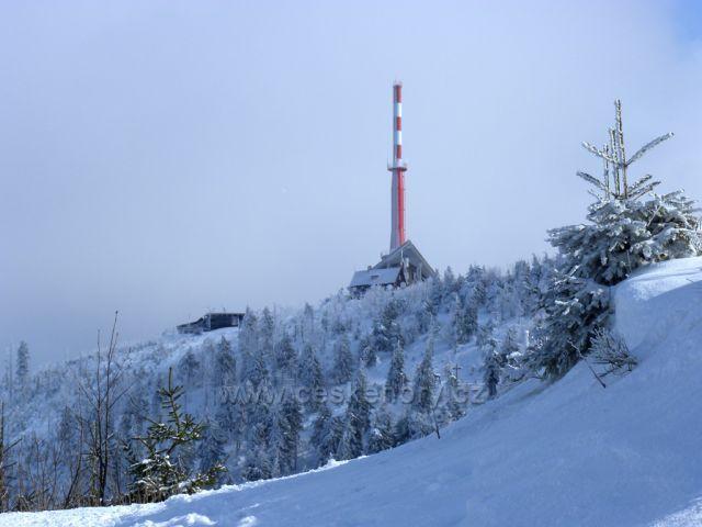 výhled na vrchol,z červené trasy na Lysou horu