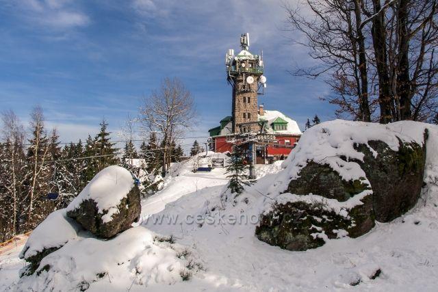Tanvaldský Špičák 831m - krásný výhled na Jizerské a Lužické hory a samozřejmě i Krkonoše.