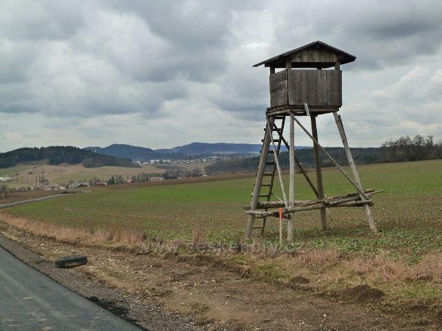 Lukavice -pohled z nové silničky na letiště k Žamberku