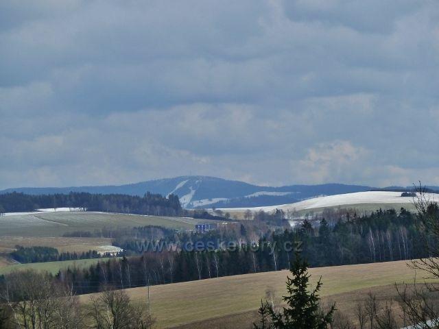 Lukavice - pohled z letiště na Bukovou horu