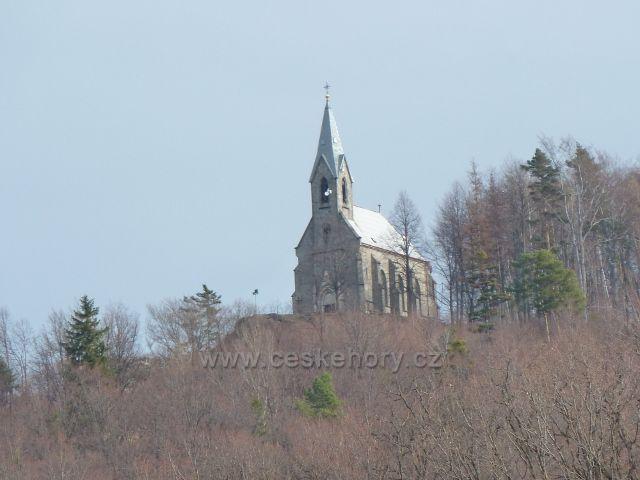 Žulová - novogotický kostelík Panny Marie Bolestné na Boží hoře nad městem