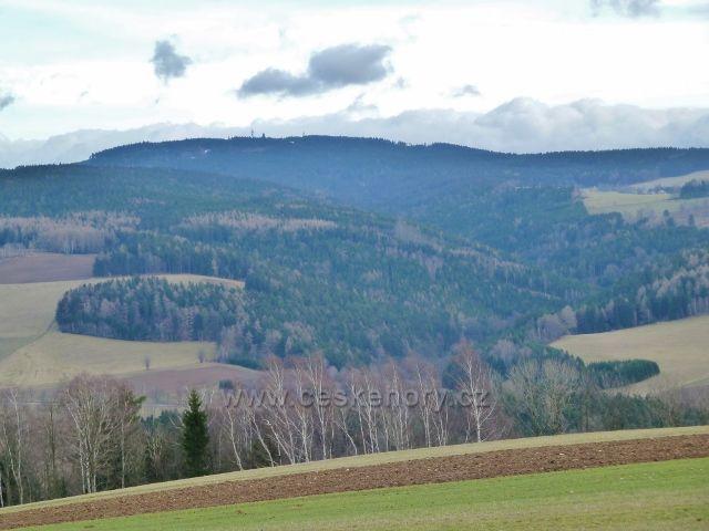 Sobkovice - pohled z Frantova kopce na Suchý vrch
