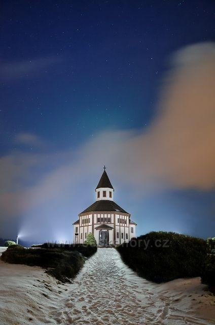 Místní kaplička v Tesařově - část Kořenova.