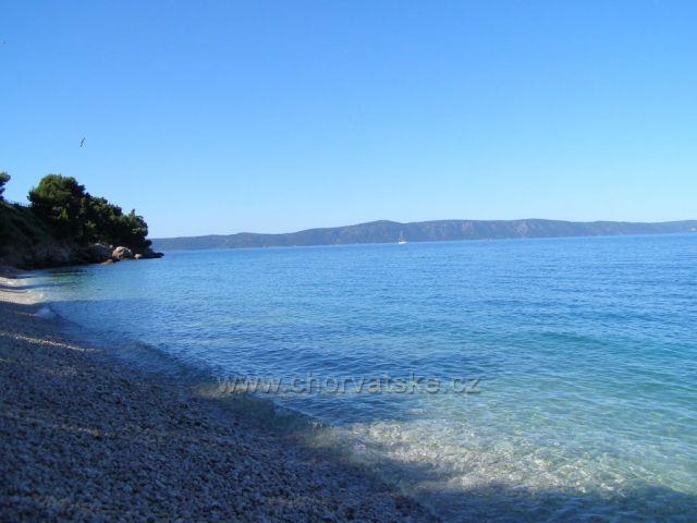 Pohled na naši pláž v Tučepi.