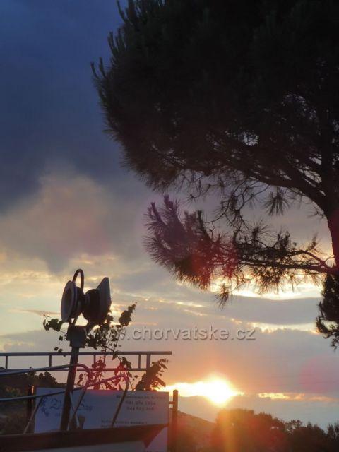 Lopar Ráb západ slunce
