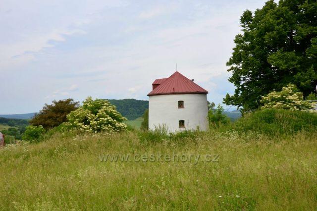 Huntířov-býv. větrný mlýn