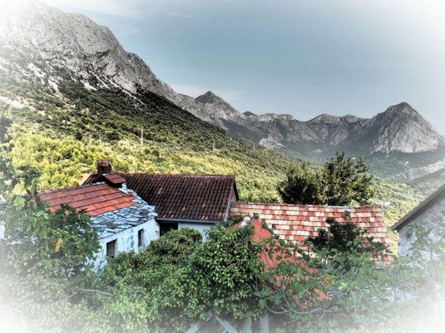 pohoří Rilič nad Drvenikem