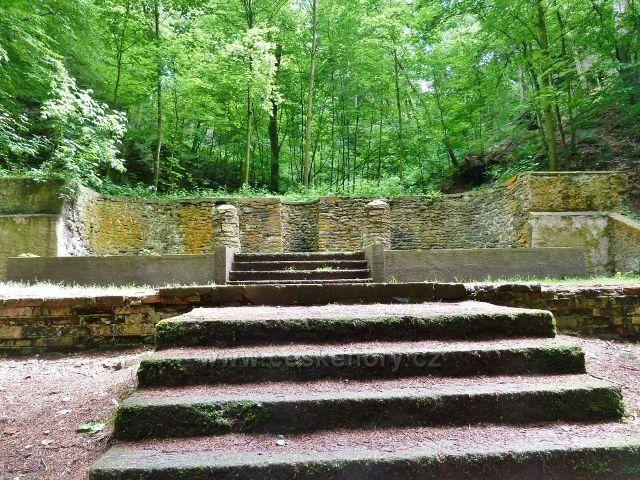 Lesopark Debř -přírodní divadlo