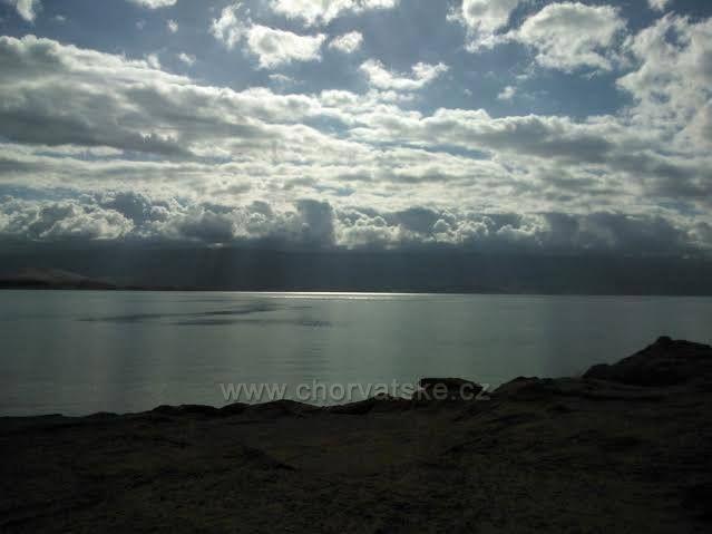 mrak nad pevninou z Loparu-San Marina