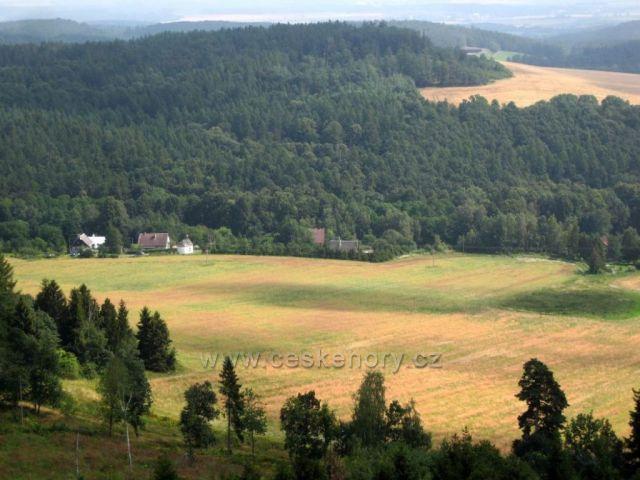 Pohled z rozhledny Hraniční vrch