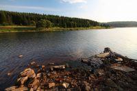 Na břehu Flájské přehrady