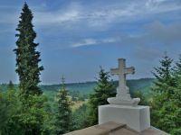 Vranov - pohled z vyhlídkové terasy areálu kláštera paulánů