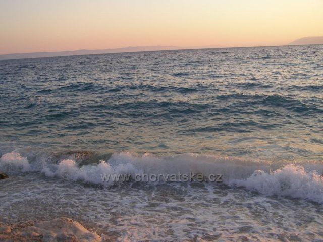 Trochu vlnky.