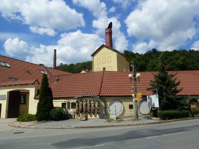 Černá Hora - pivovar, pohled z náměstí U Pivovaru