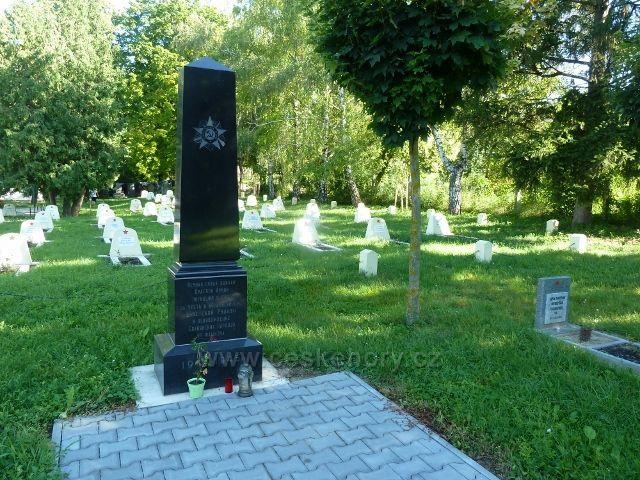 Hustopeče - hřbitov vojáků Rudé armády padlých na Jižní Moravě ve 2.světové válce