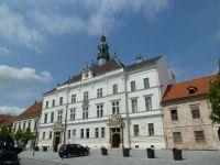 Valtice - novorenesanční radnice na náměstí Svobody