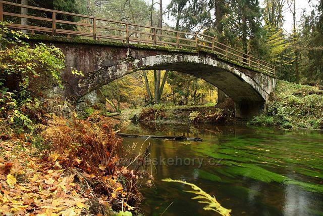 Kamenný most přes Kamenici