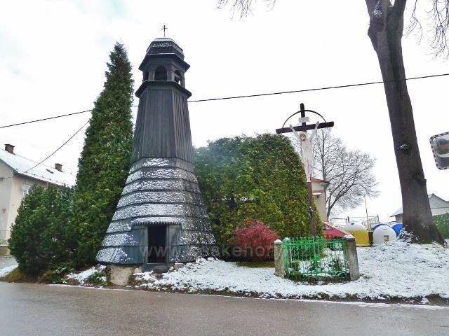 Záchlumí - zvonička a Boží muka