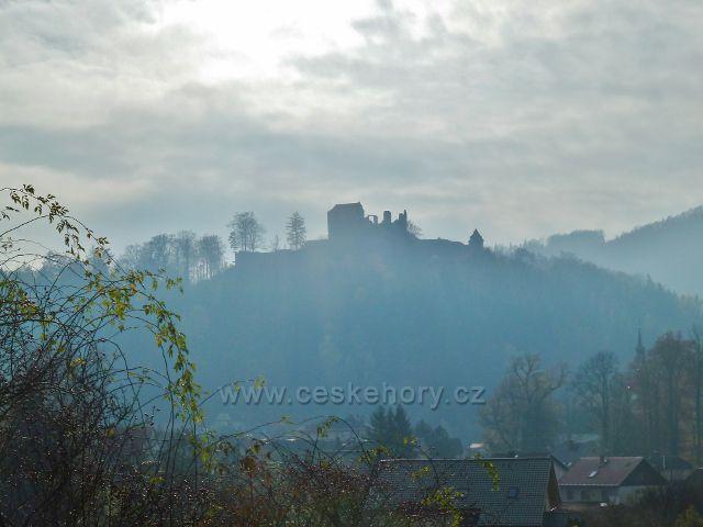 Potštejn - pohled na hrad od Spáleného mostu