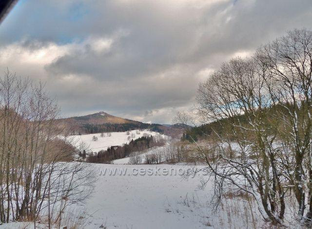 Pohled na vrch Kopřivný (823 m.n.m.)
