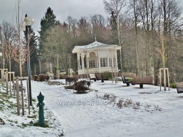 Lázně Jeseník - hudební pavilon v zimě