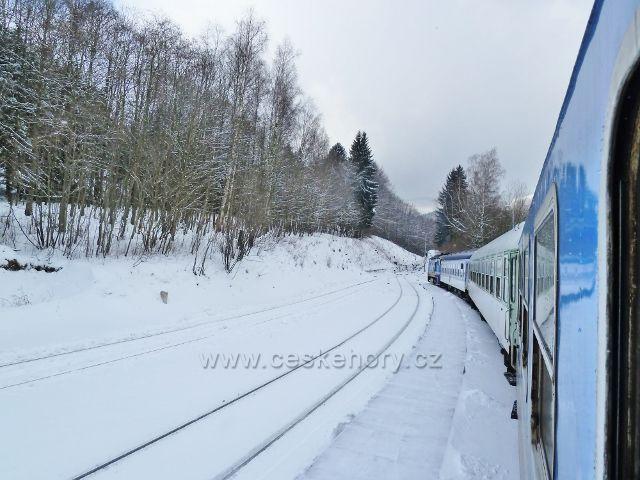 Horní Lipová - pohled z vlaku ve stanic ČD