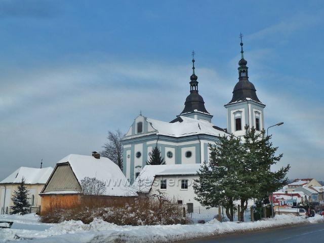 Žamberk - pohled na kostel sv.Václava z Kostelní  ulice