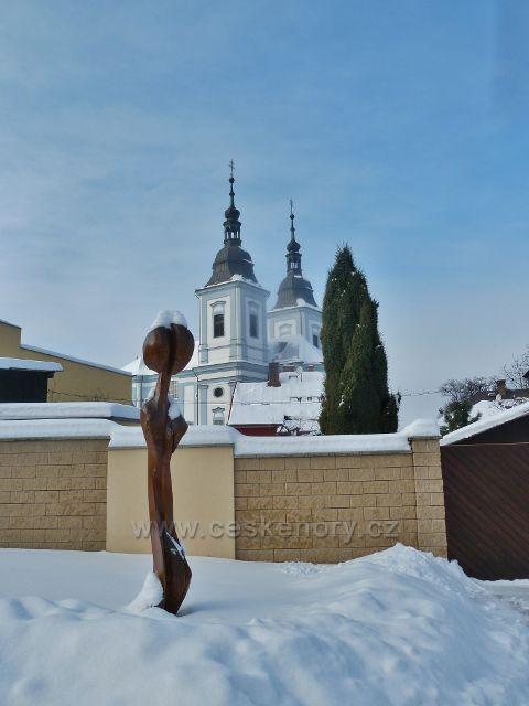 Žamberk - pohled na kostel sv.Václava z pěší zony