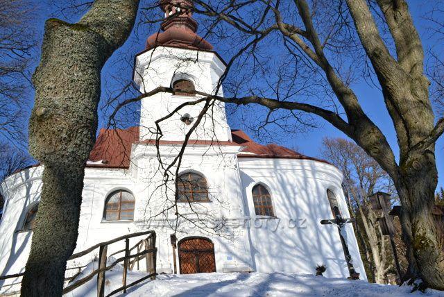 Poutní kostel sv. Anny - Andělská Hora. Výstavba proběhla v letech 1767-1770, vysvěcen byl na svátek sv. Anny v roce 1770.
