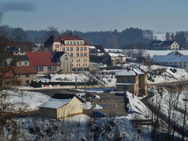 Kunvald - střed městyse Kunvald, sokolovna, škola,bývalá Kampelička a autobusové nádraží