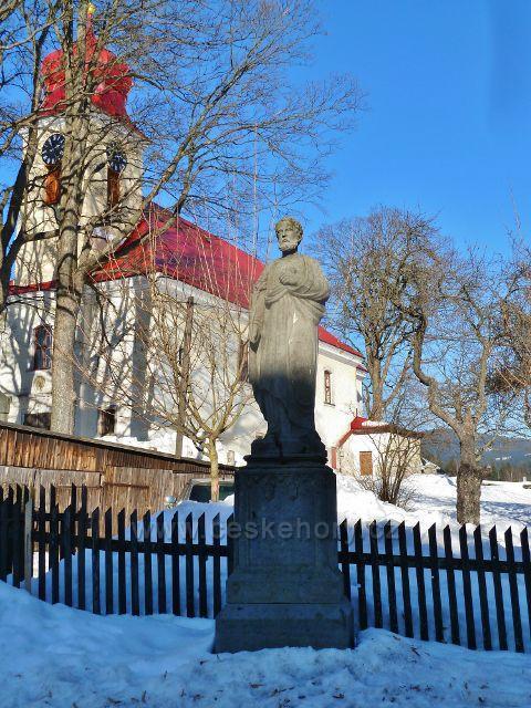 Říčky v O.h. - socha před kostelem Nejsvětější Trojice