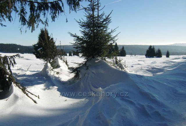 navátý sníh po vichřici