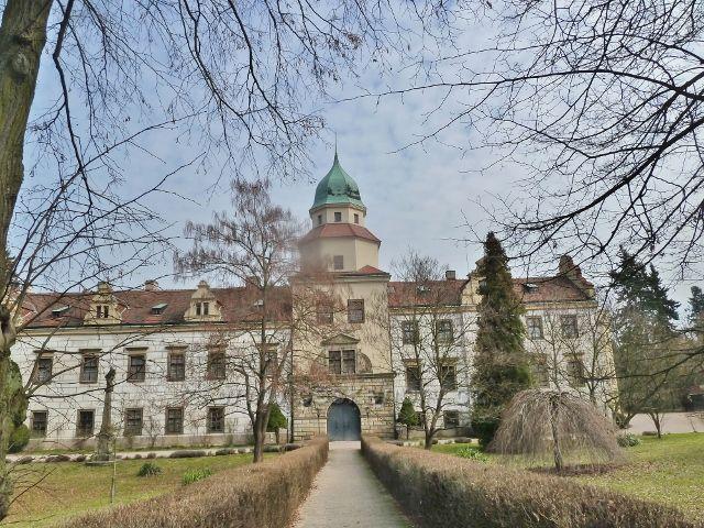 Častolovice - průčelí zámku