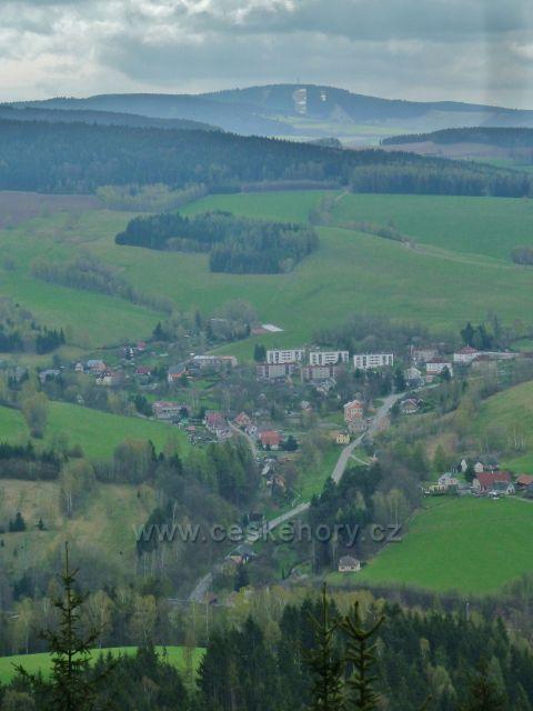 Studenecké skály - pohled na Těchonín a Bukovou horu